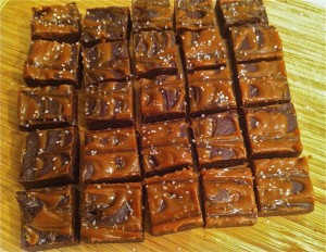 fudge w: dulce de leche